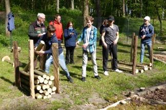 Einen Nachmittag verbrachten alle in Bad Lippspringe auf der Landesgartenschau. Bei der Wald- und Holz Rallye ging es auch darum, im Team Aufgaben schnell zu bewältigen