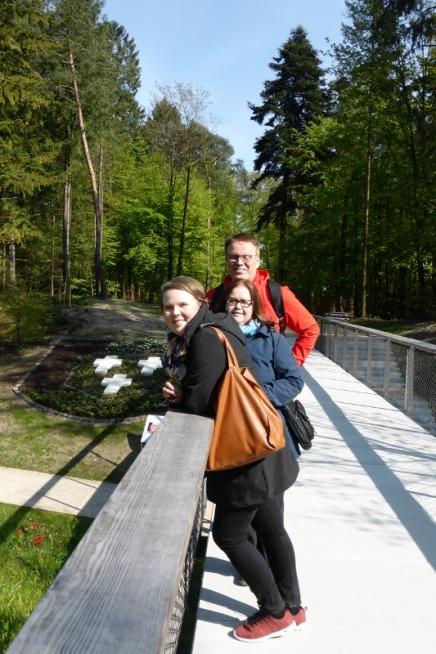 Auch Sanna Rask, Jaana Parviainen und der Schulleiter Markku Kiiski aus Savonlinna fanden die Gartenschau spannend.