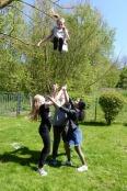 Da das Stück in Herberhausen im Jugendtreff Domizil aufgeführt werden sollte, wurde dort zwei Tage geprobt. In den Pausen zeigten die finnischen Mädchen, was sie als Cheerleader gelernt haben.